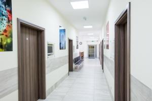 Korytarz z poczekalnią dla Pacjentów w LEKARZ DOMOWY